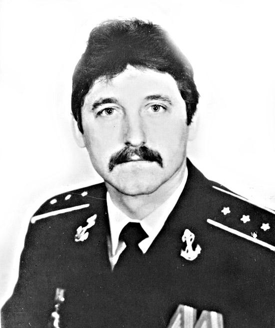 старший мичман Северного флота Вячеслав Иванович Головатенко.