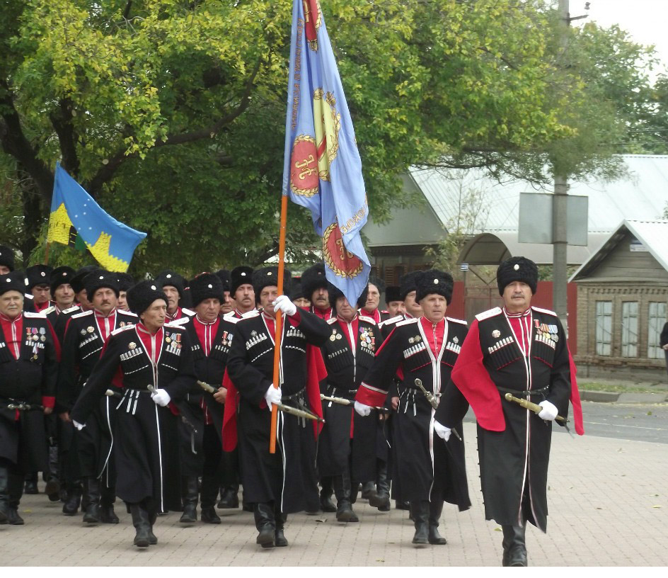 Так маршировали казаки района по Ейским улицам.