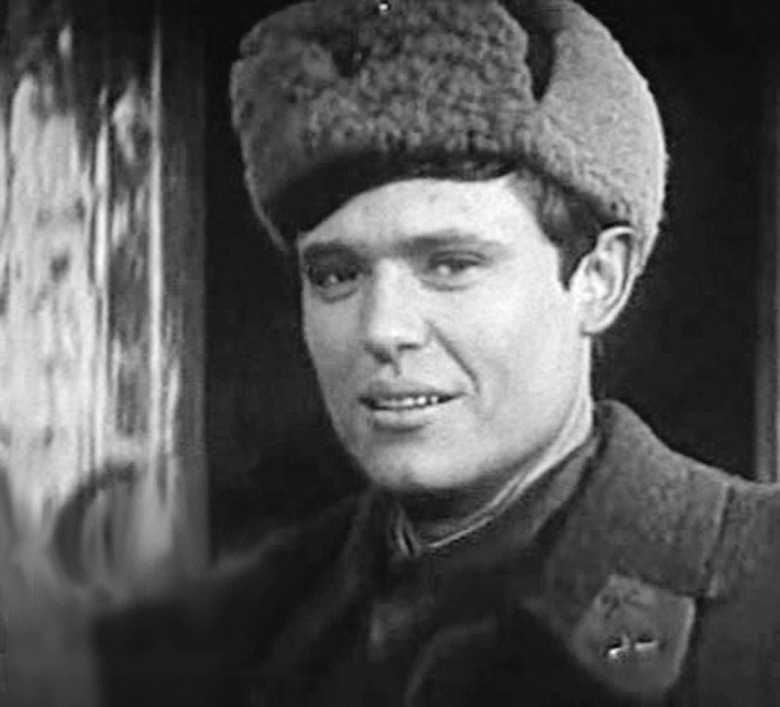 Актер Борис ТОКАРЕВ в роли лейтенанта Кузнецова в фильме «Горячий снег».
