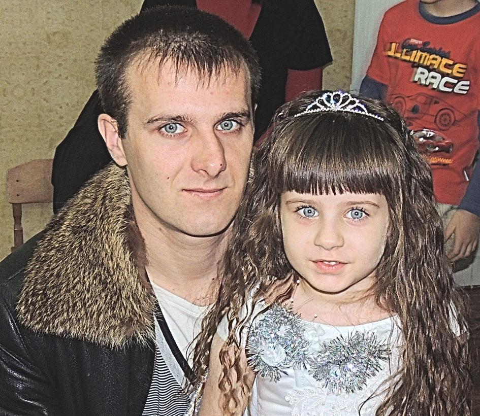 «Мы очень похожи с тобой, папочка».           А. Кривенков и дочка Катя.