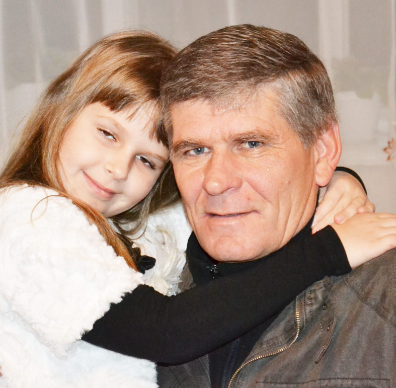А это снимок – с дедушкой!