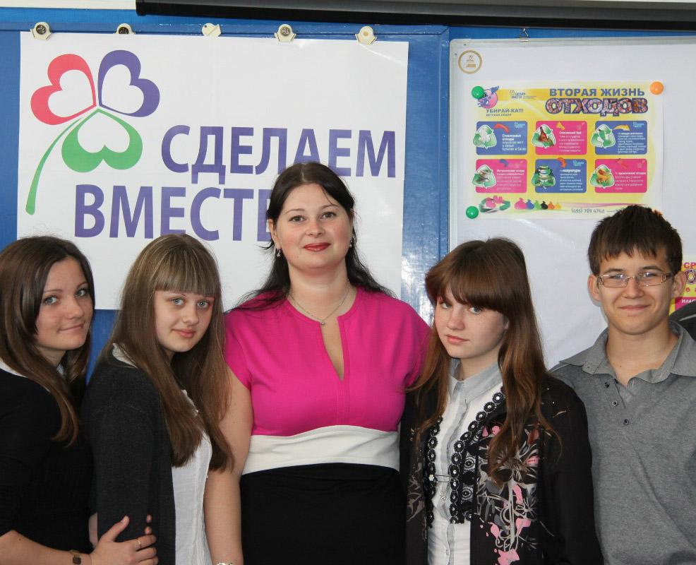 На снимке: момент встречи О.В.ТОЛСТОПЯТОВОЙ  с учащимися.
