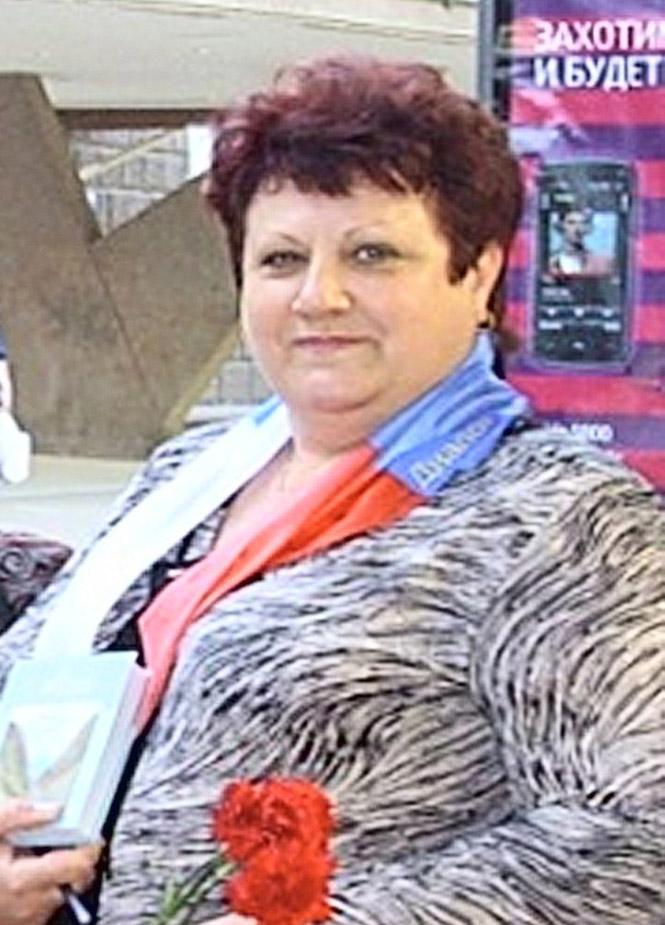 38 лет назад начала работать библиотекарем Людмила Владимировна МАЛЫШЕВа
