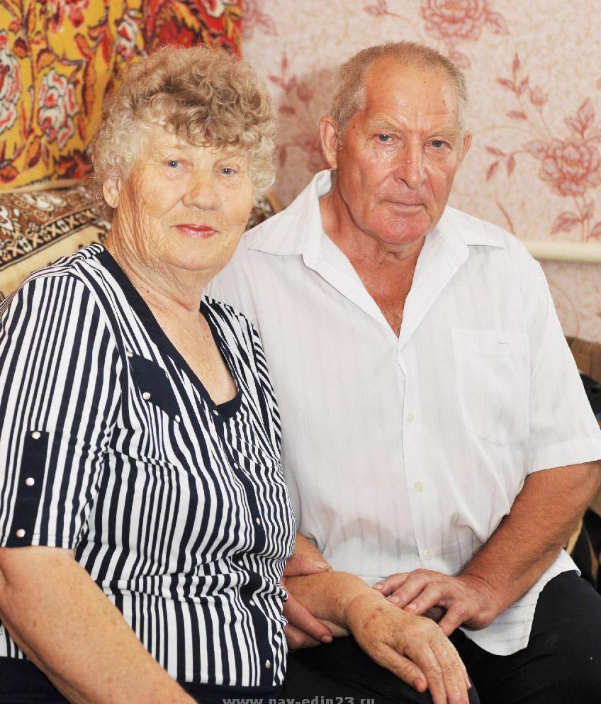 4 августа у Лидии Васильевны и Юрия Александровича АРХИПОВЫХ значительная веха в жизни: они отметят 50-летие совместной жизни.