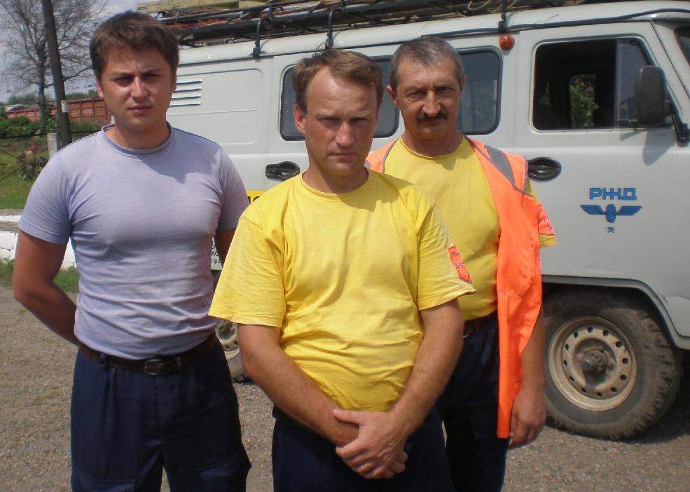 Слева направо: Д.  Фельде,  К. Ерёменко и В. Штепа