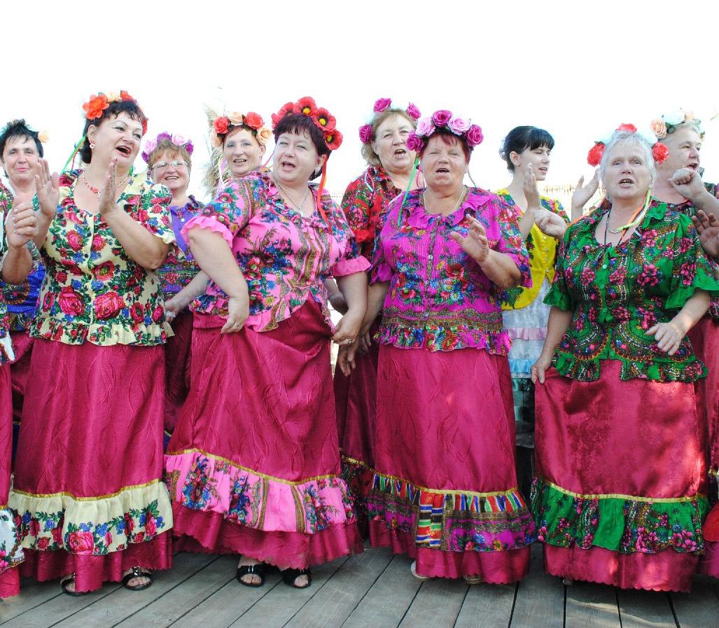 Любимые народом кубанские песни исполнял на фестивале хор  из поселка Северного