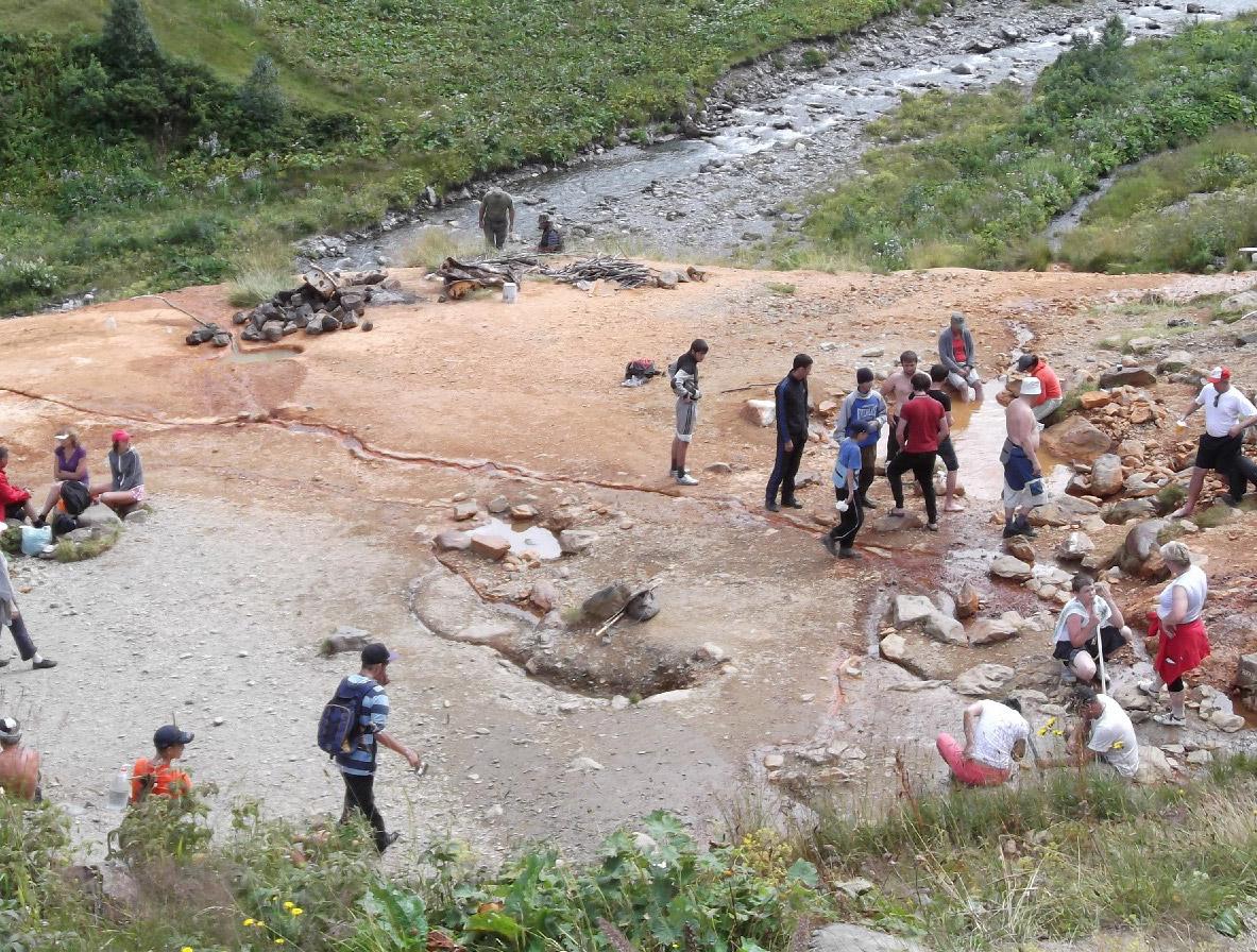 На таком небольшом участке скалы сгруппированы самые уникальные целебные источники Северного Кавказа
