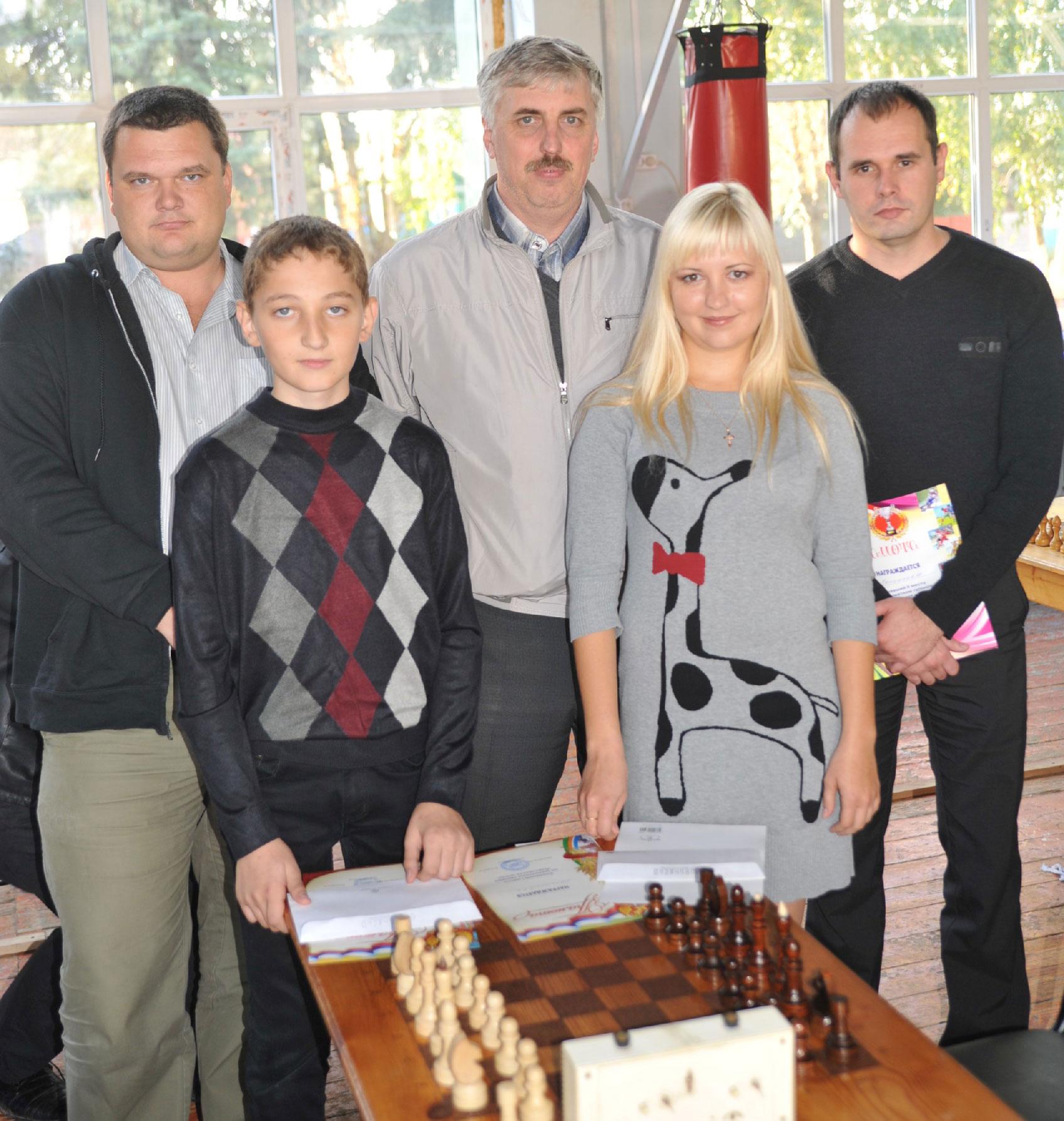 Слева направо: Аркадий Гуков, Роберт Джагацпанян,   Борис Натальный, Ксения Понякова, Максим Понужаев