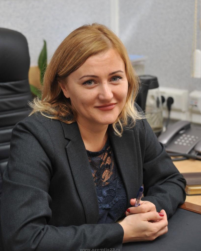 Людмилу Анатольевну СЕРЕБРЯКОВУ – руководителя управления социальной защиты населения в Павловском районе.