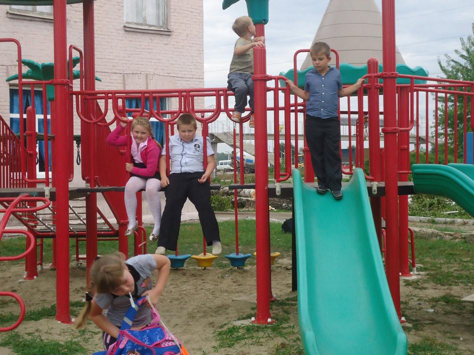 В спортивном городке села Краснопартизанского, установленного администраций поселения по просьбе членов совета ТОСа.