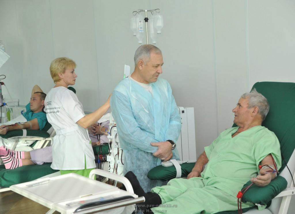 Дружеское участие и готовность В.И. Сытника помочь воспринимались пациентами благожелательно