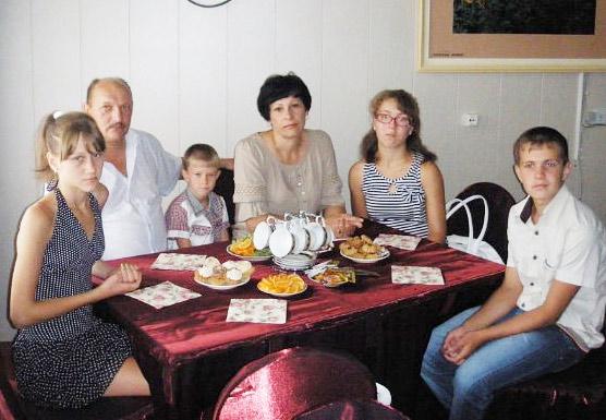В дружной семье Компаниец проблемы принято решать вместе. Фото из семейного архива.