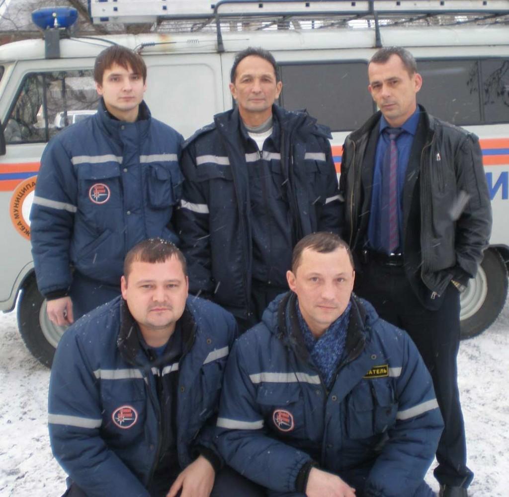 Слева направо: А.Н. Горб, Ш.М. Каримов, А.Н. Волкодав (стоят), О.Н. Мельников и М.С. Разумов