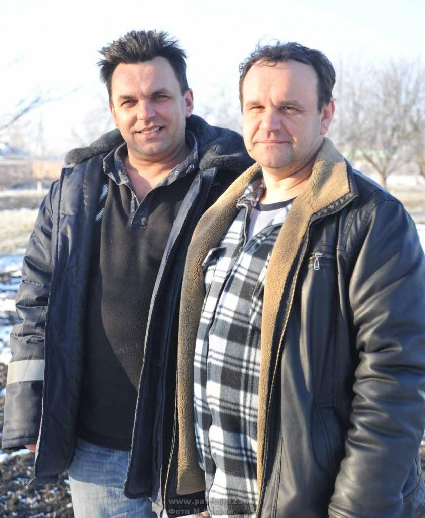 Александр Распопов (справа)  с братом Евгением