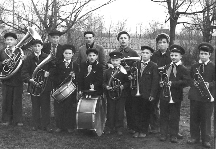 Переанный школе снимок духового оркестра
