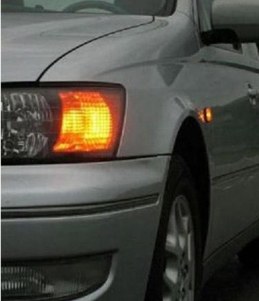 Надо ли показывать сигнал поворота, если дорога меняет направление, а ты едешь по главной?