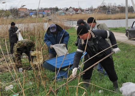Субботник на реке Сосыка