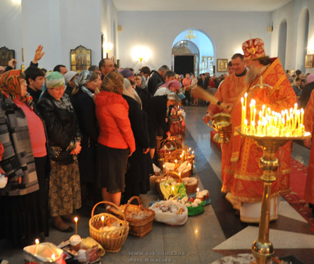 Епископ Стефан поздравил паству