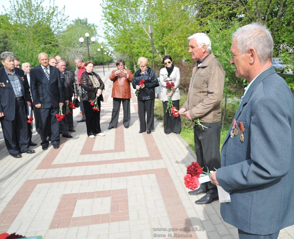 Митинг  открывал А. Воронцов, участник ликвидации аварии на ЧАЭС