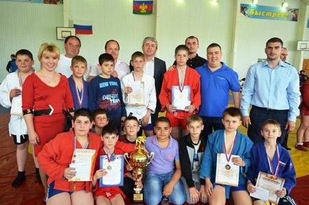 VI турнир по самбо на кубок главы Павловского района собрал дюжину команд Кубани и Адыгеи.