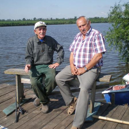 Бригадир Ю.С.ПИЮКОВ (слева) и А.И.НЕХАЕВ