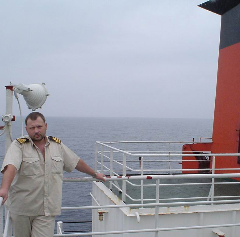 Старпом К.Купчин: кругом только вода океана