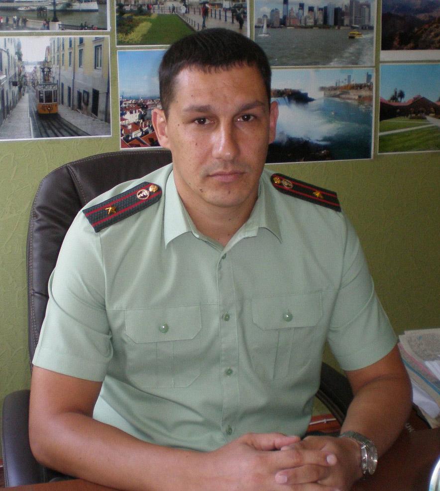 Ключников– майор полиции, заместитель начальника Павловского межрайонного отдела наркоконтроля.
