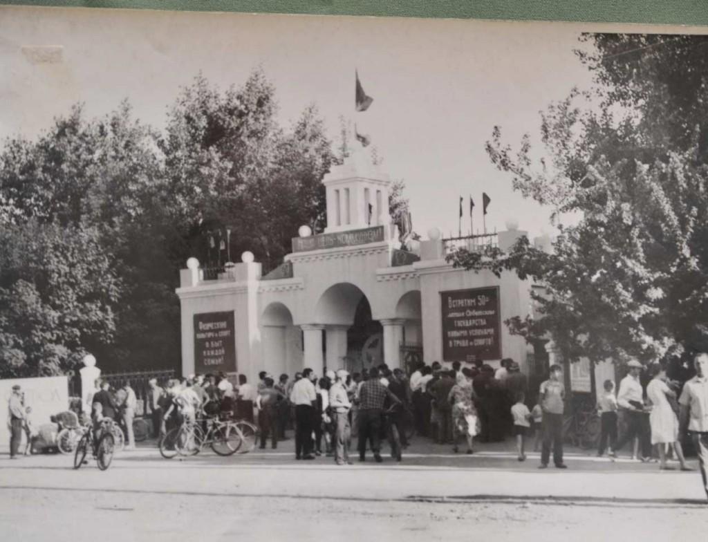 60-е годы прошлого столетия. Такие очереди стояли в кассах стадиона «Урожай». Матчи павловской футбольной команды собирали до 5 тыс. зрителей