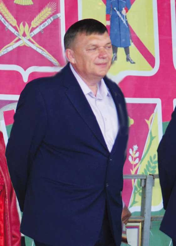 Гендиректор ООО «Кубань Холдинг» Ген- надий ТКАЧ удостоен звания заслуженного работника сельского хозяйства Кубани.