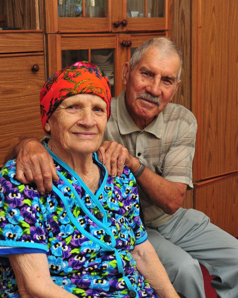 Изумрудный юбилей (55 лет совместной жизни) супруги ПОДЛОЗНЫЕ отметили в кругу самых родных и близких.  Фото М. Касьяна.