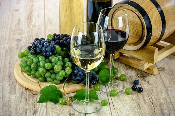 Ежегодно край экспортирует 300 тысяч декалитров вина.
